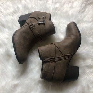 Indigo Rd. Brown Heeled bootie